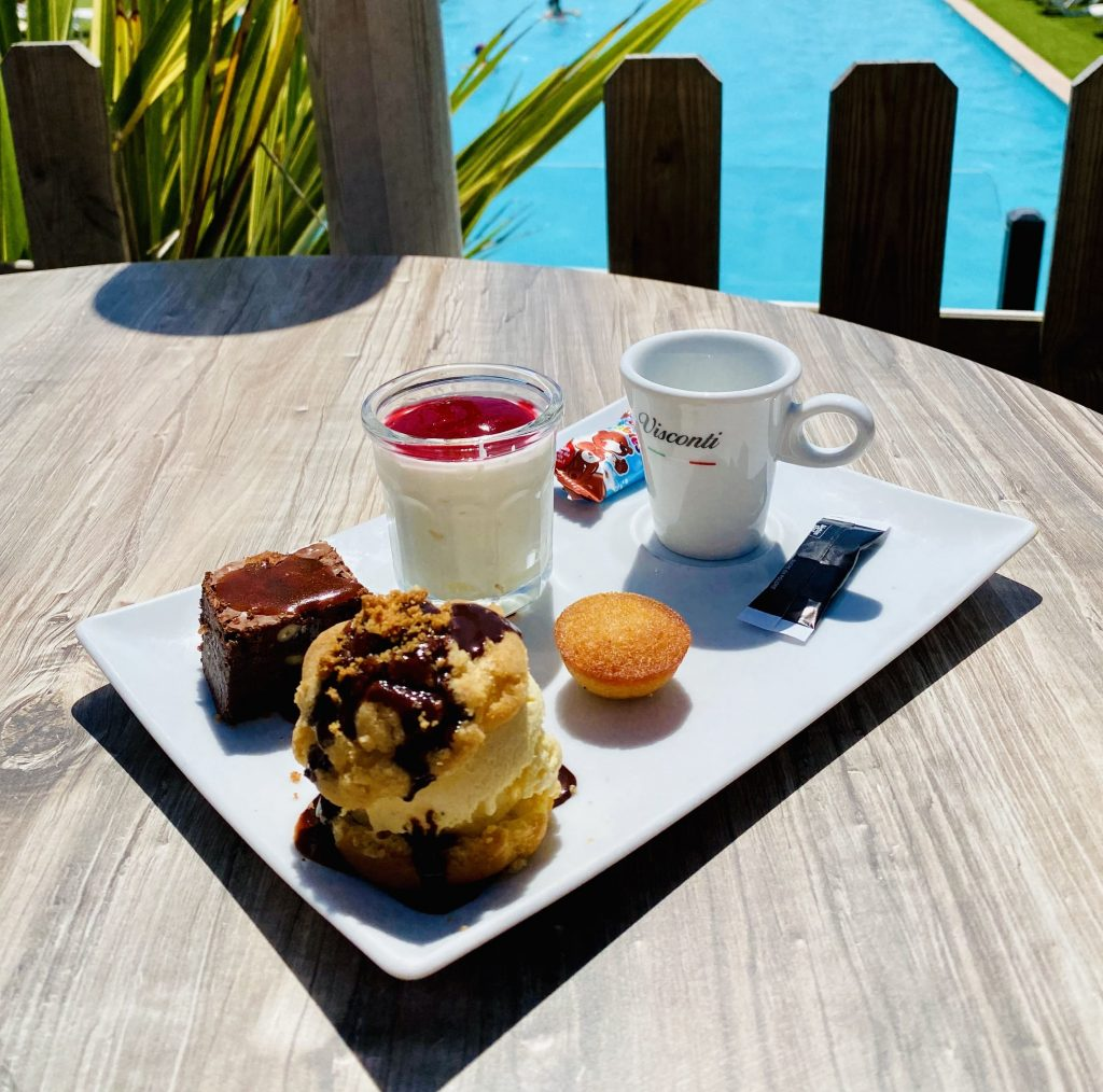 cafe-gourmand-anguilla-beach-restaurant-sables-d-olonne